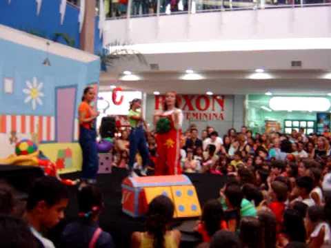 Show infantil com Rúbia - Música: A jibóia com fome  de Padre Zezinho