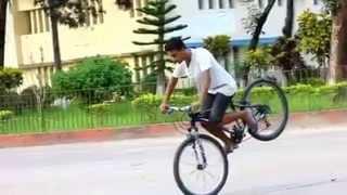 getlinkyoutube.com-BANGLADESH BOYS CYCLE STUNTS