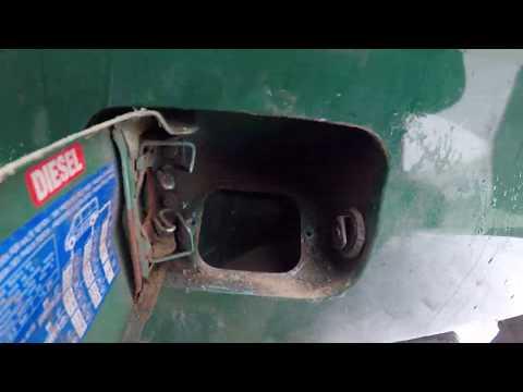 Mercedes Vito Снимаем топливный бак и заливную горловину