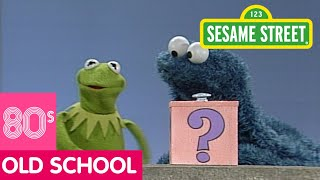getlinkyoutube.com-Sesame Street: Kermit And Cookie Monster And The Mystery Box