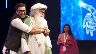 Ranveer Singh and Sadhguru Dance on Popular Demand at IIM Bangalore Leadership Summit 2018 width=