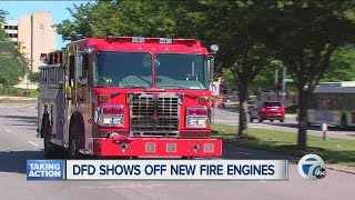 getlinkyoutube.com-City of Detroit shows off new fire engines