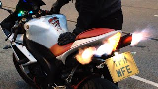 getlinkyoutube.com-Yamaha R1 popping flames decat toce exhaust