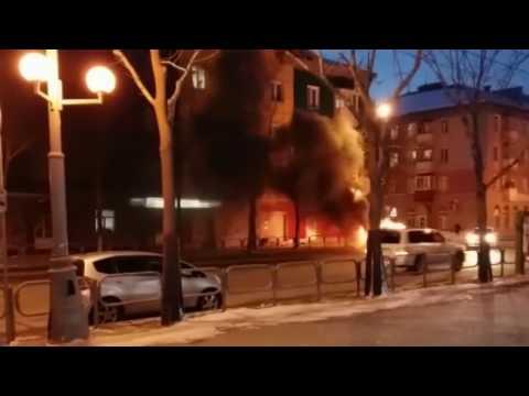 Suzuki Jimny сгорел в Южно-Сахалинске
