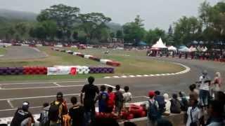 getlinkyoutube.com-Vespa Racing Tune Up Pemula, VBI Round 3, Sentul 27 September 2015