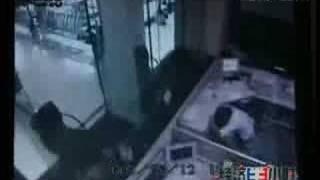 getlinkyoutube.com-8.0M earthquake:Most terrifying  footage from a bank CCTV