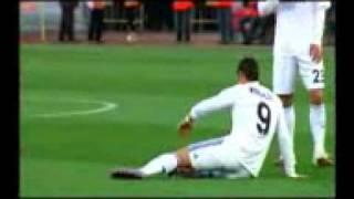 getlinkyoutube.com-Cristiano Ronaldo Se Defiende De Los Insultos