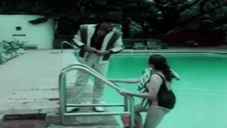 getlinkyoutube.com-Romantic Swimming Pool Scene | Suya Mariyathai | Tamil Film