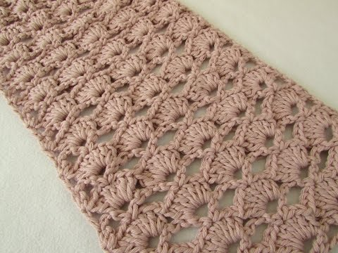 How to crochet an easy lace scarf for beginners
