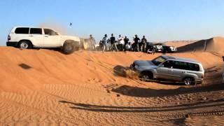 getlinkyoutube.com-FZJ100 Toyota Land Cruiser stuck in the Wahiba Sands