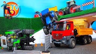 getlinkyoutube.com-BRUDER Traktors CRASH Deutz New Holland Fendt