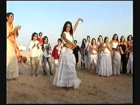 Las Montoyas - Boda Gitana en la playa