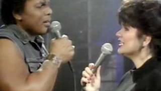 Don't Know Much-Ronstadt & Neville LIVE