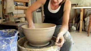 getlinkyoutube.com-How to throw a large bowl on the potter's wheel .