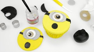 getlinkyoutube.com-Really Simple Minion Cupcakes