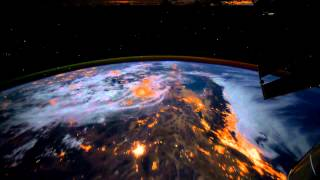 getlinkyoutube.com-[Dreamscene] Animated Wallpaper - Earth View from the ISS