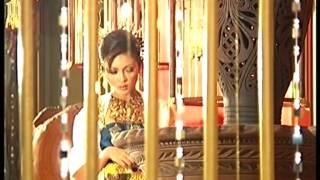 getlinkyoutube.com-Siti Nordiana & Achik - Benang Emas (Official Music Video)