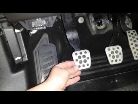Как шатается педаль сцепления OPEL ASTRA J