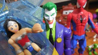 getlinkyoutube.com-Superman Super Homem Batman Mulher Maravilha Avião Invisível Imaginext X Coringa Joker Unlimited