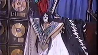 getlinkyoutube.com-Kiss Conventions from the 1990's