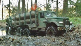 getlinkyoutube.com-RC AXIAL SCX10 6x6 Kraz-255 logging truck SOUND SYSTEM TEST