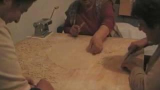 getlinkyoutube.com-παραδοσιακες χυλοπιτες - σκυφιστα μακαρονια