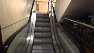 getlinkyoutube.com-Otis & O&K Escalators @ Hilton Hotel. Portland, OR