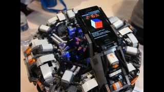 getlinkyoutube.com-The CubeStormer 2 - World Record Rubik's Cube Solver made from LEGO NXT Mindstorms