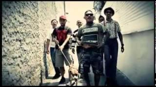 getlinkyoutube.com-tendangan badut-street drunk and tattoo (new version).mp4