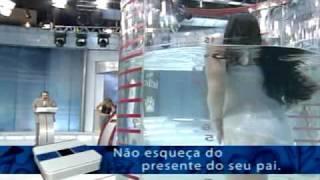 getlinkyoutube.com-Luciana Picorelli na prova do Tubo (responde ou água )  do Gilberto Barros