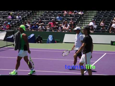 Nadal v Dimitrov on the Miami stadium court