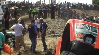 ACCIDENT AT THE BAJA 500 2016 TROPHY TRUCK 75 GOES INTO CROWD!!