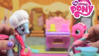 getlinkyoutube.com-My Little Pony MLP Crystal Bakery Princess Celebration featuring Princess Twilight Sparkle!
