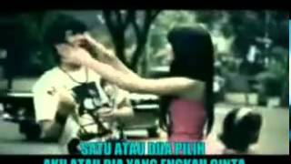 getlinkyoutube.com-Gamma Band - Satu Atau Dua Video Asli dan Lirik.flv