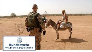 getlinkyoutube.com-Bundeswehr in Mali: Aufklärer auf Patrouille um Gao