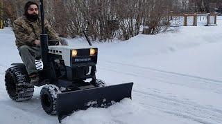 getlinkyoutube.com-Diesel Sears Tractor Plowing Snow
