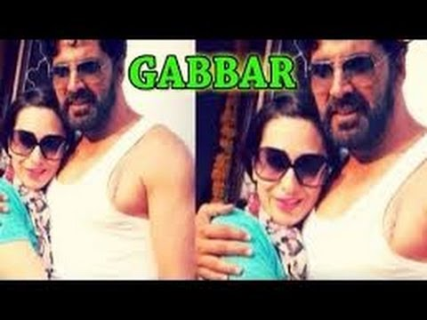 HOT Bebo to play Akshay Kumar's wife in 'Gabbar'