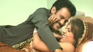 getlinkyoutube.com-Raat Balam Ne Ragdi (Japani Tel) - Hot Rajasthani Video