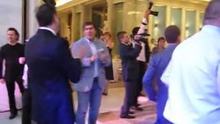 getlinkyoutube.com-Танцует Медведев. Мега хит 2013 года