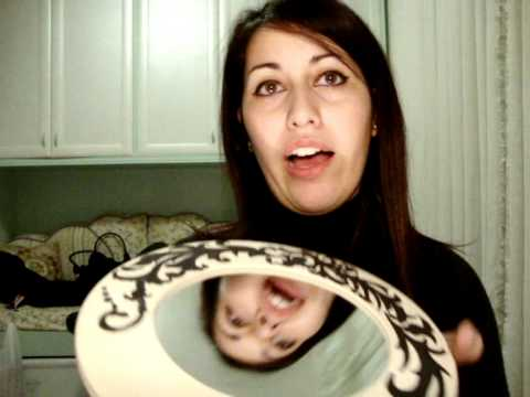 Come decorare uno specchio con le conchiglie fai da te mania - Specchio con conchiglie ...