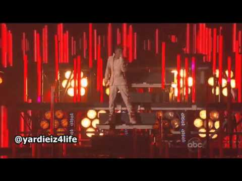 Justin Bieber - AMA 2011 Performance &quot;Mistletoe&quot; HD