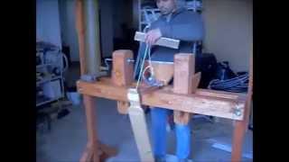 getlinkyoutube.com-Costruzione del tornio per legno (pole lathe)