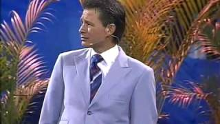 getlinkyoutube.com-No lo entiendo pero lo creo - Pastor Cash Luna en Noches de Gloria Quito Ecuador