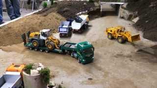 getlinkyoutube.com-Scaleart MAN TGX-XL with 4 axle low bed semitrailer