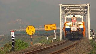 getlinkyoutube.com-[IRFCA] Inaugural Special video- Kamakhya-Bengaluru Cantt 'HUMSAFAR' EXPRESS