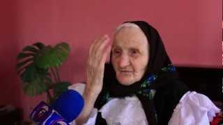 getlinkyoutube.com-Batranica de 103 ani - Felnac jud Arad