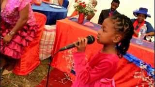getlinkyoutube.com-S'phiwokuhle Shandu singing Lomhlengi ungubani.MOV