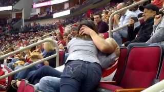 getlinkyoutube.com-Il embrasse une autre fille devant son rencard et le stade en entier !