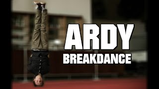 getlinkyoutube.com-Ardy Breakdance