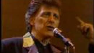 getlinkyoutube.com-Oh What A Night - December 63 (Live)